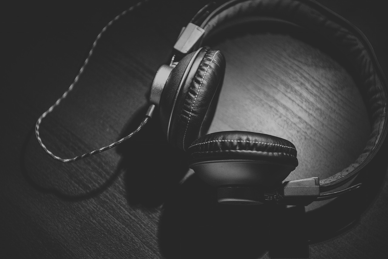 photo of headphones in black and white